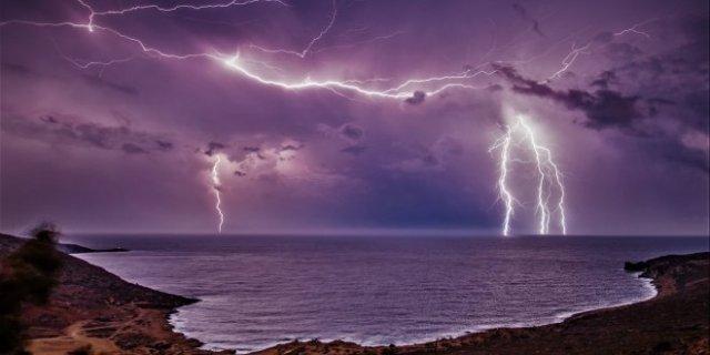 crete-lightning1
