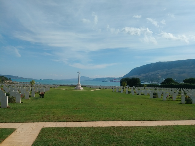 Suda Bay Cemetery, Looking East